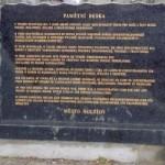 Tablica pamitkowa w Holiszowie